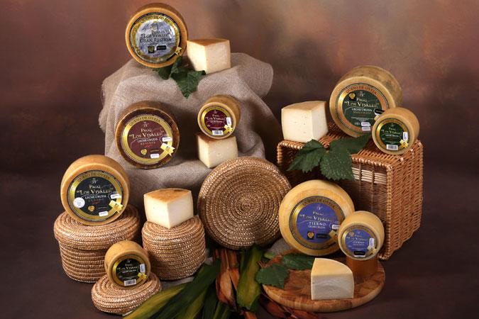 Quesos de Oveja Pago Los Vivales. Elaborados con leche cruda 100% de oveja, sin conservantes artificiales.